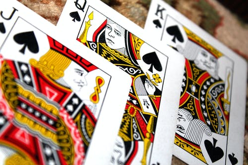 Make Money Via Playing Online Casino Games!