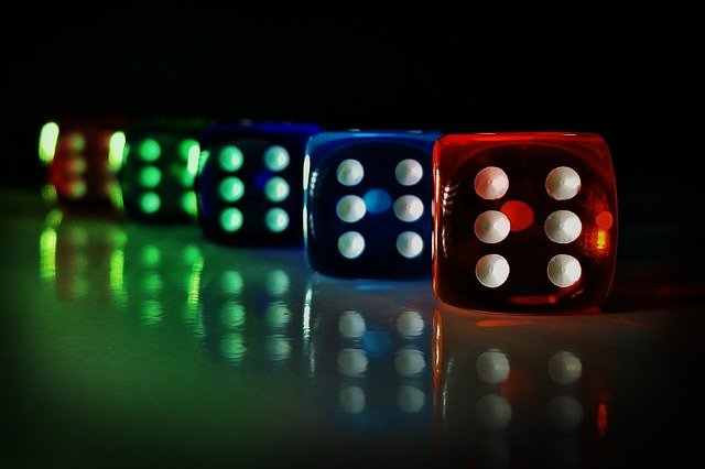 Want to avoid bad beats at poker – play poker online