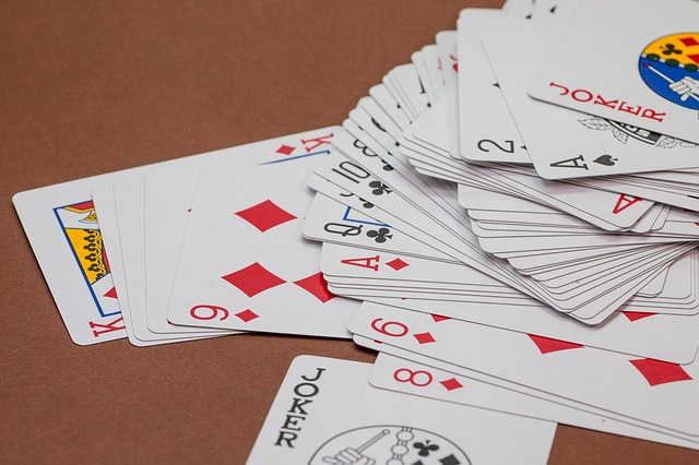 Four Tricks To Adopt And Play At Online Gambling Games!!