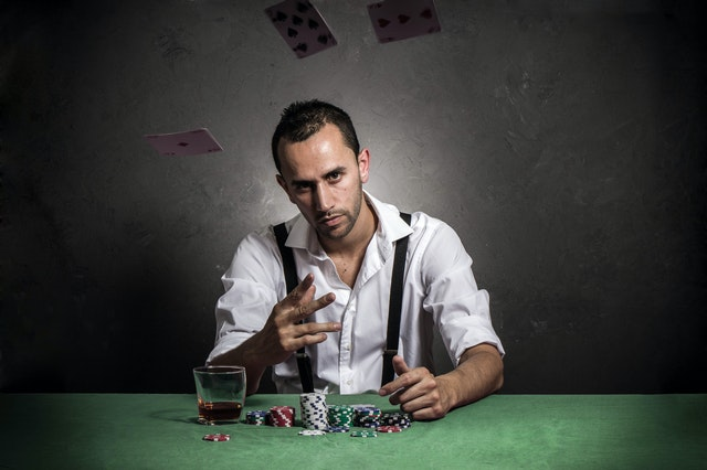 Why is it worth the choice to play gambling in the online poker website?