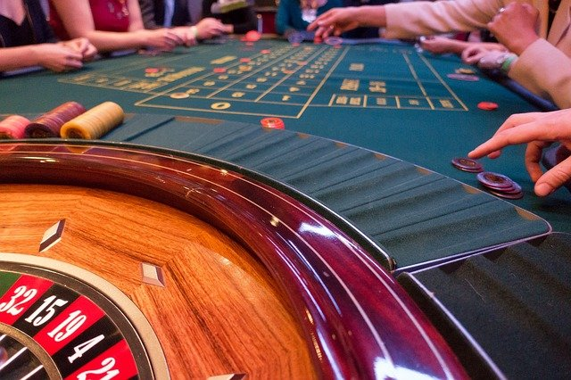 What Are The Two Best Features Offered By An Online Gambling Platform?