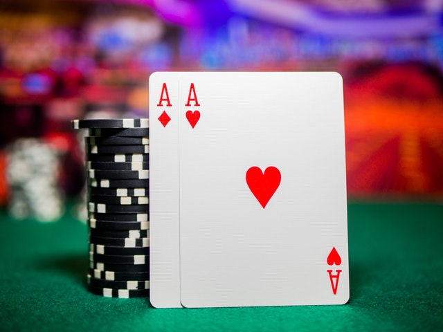 What are the several benefits of playing online casinos?