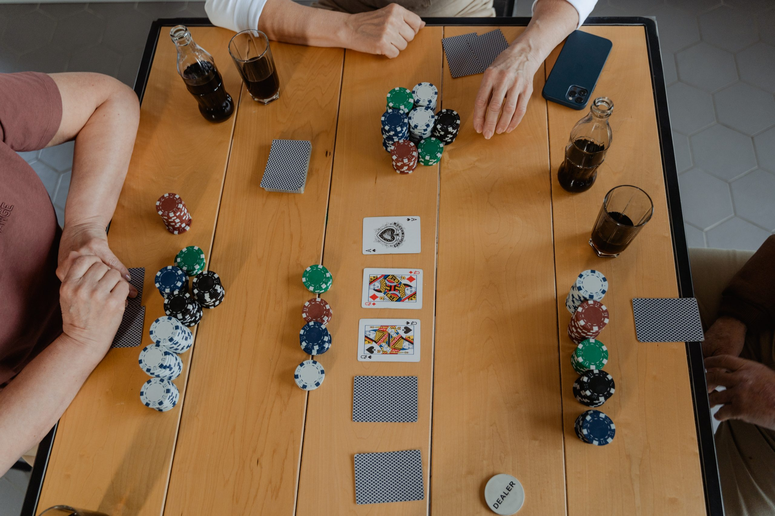 The Benefits of Playing at Online Casinos